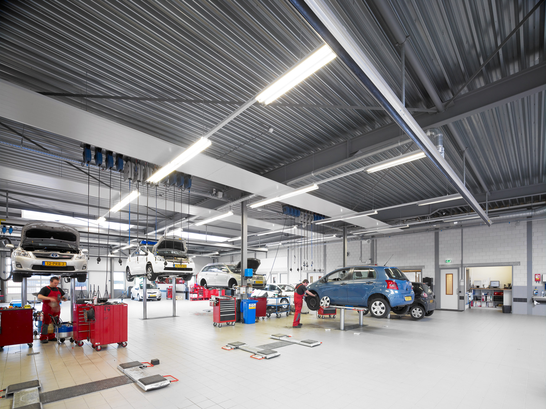 Toyota garage zinkinfo nl for Garage toyota angers