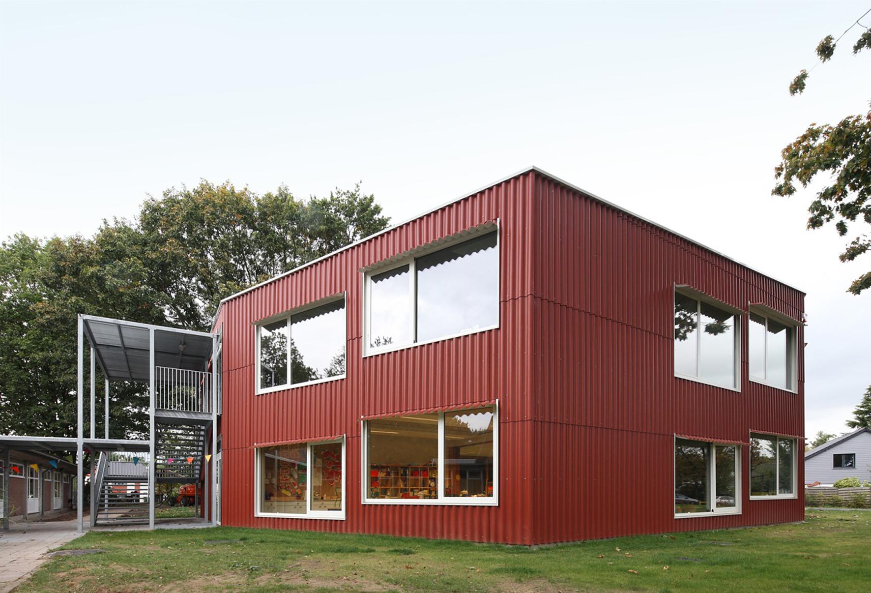 Uitbreiding basis en kleuterschool groenlaar zinkinfo nl for Dujardin 007